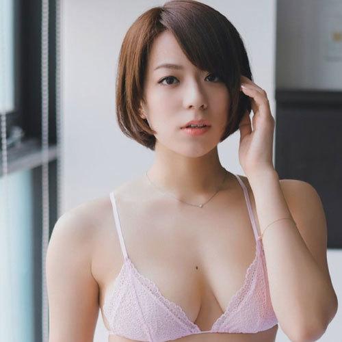 小瀬田麻由 おっぱいのホクロがそそられちゃうFカップの美巨乳に釘付け