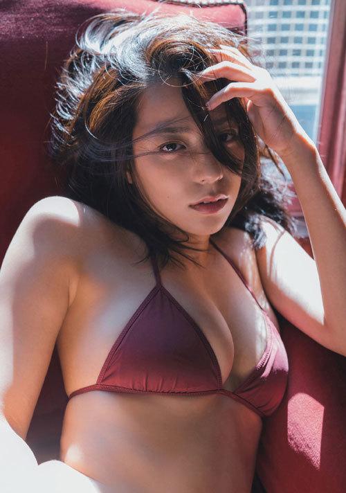 小瀬田麻由Fカップの美巨乳おっぱいに釘付け27