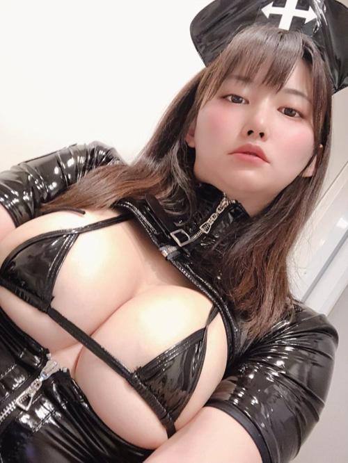 痴女なお姉さんがボンテージを着たエロ画像 part10