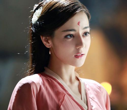 ウイグル出身の美人中国女優、ディルラバのディープフェイク動画がけっこう出来が良くてヤバイwww