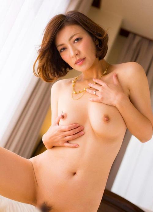 美乳熟女の淫靡な誘い HITOMI (瞳リョウ)エロ画像