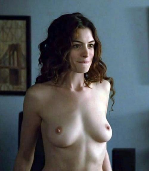 プライベートでのセックス画像が流出しちゃったアン・ハサウェイの乳首が綺麗な件