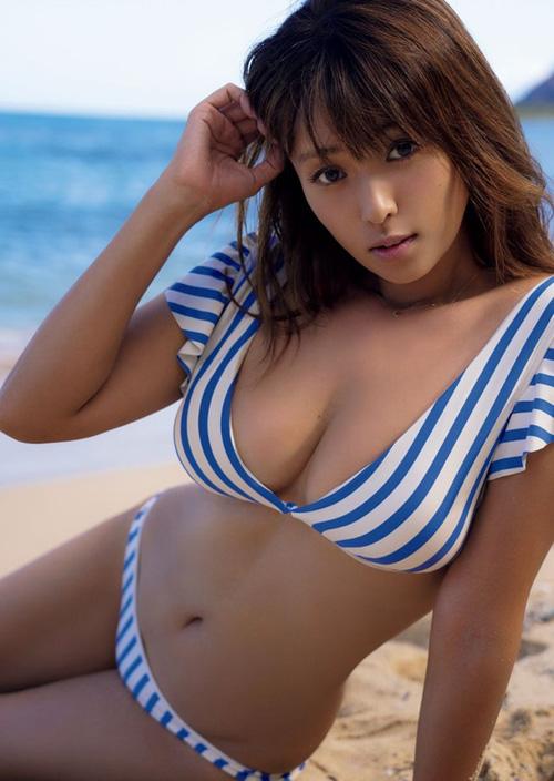 深田恭子の37歳とは思えないエロボディと半ケツが最高な件