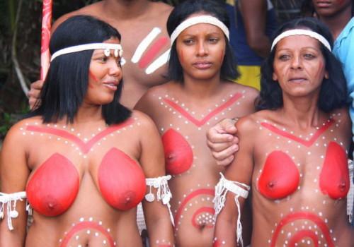 普通におっぱい丸出しの部族をご覧くださいwwwwwwwwwwwwwww