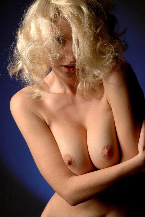 金髪美女の微乳から爆乳までいろんなおっぱい16