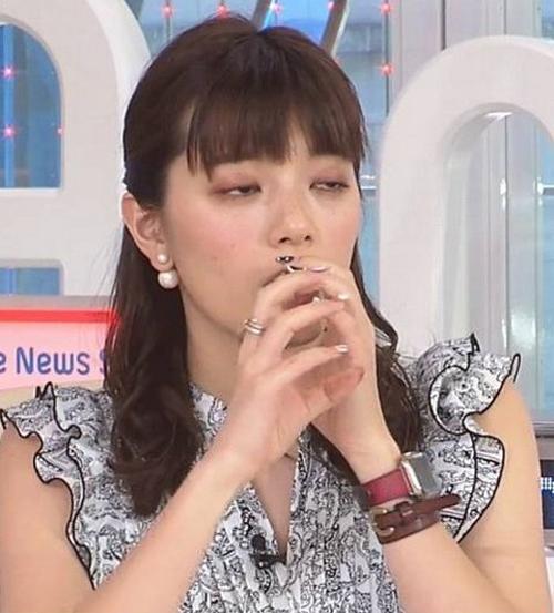 爆乳女子アナ・三谷紬、うっかり手コキフェラのテクニックを披露してしまうwww