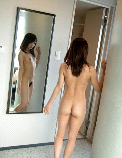 鏡に写ったおっぱいと生おっぱい両方に超興奮4