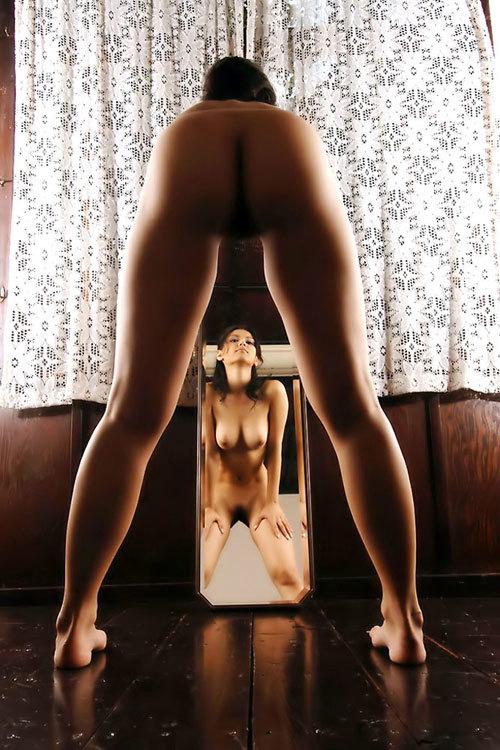鏡に写ったおっぱいと生おっぱい両方に超興奮24