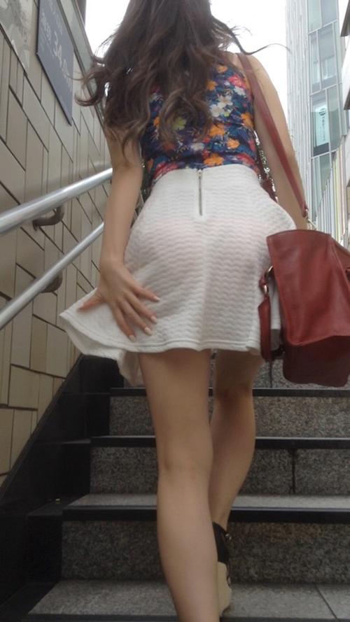 スカートの上からパンティーライン★エロ画像49枚