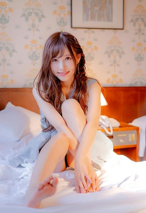 天使もえ 圧倒的透明感の美白スレンダー美女ヌード画像
