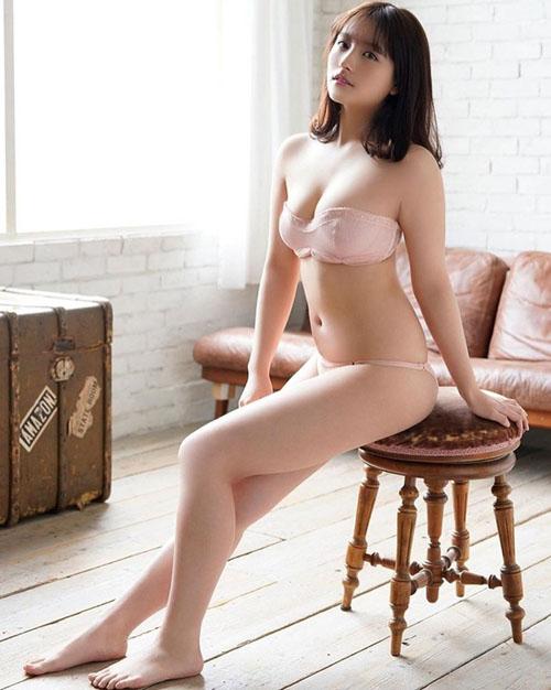 「第2の磯山さやか」大和田南那(20)のむっちりマシュマロボディが大好評な件
