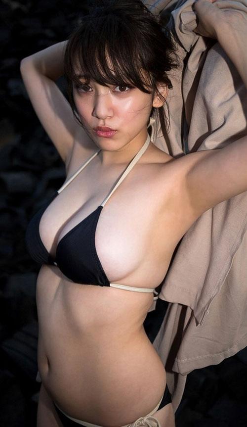 テレビに谷間がチラチラ見える衣装で出演する都丸紗也華は最高だよな