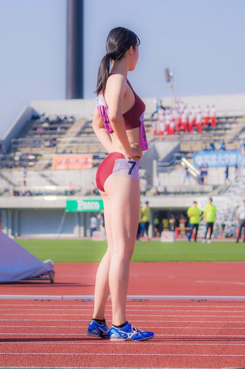 引締った肉体のスポーツ女子★エロ画像49枚