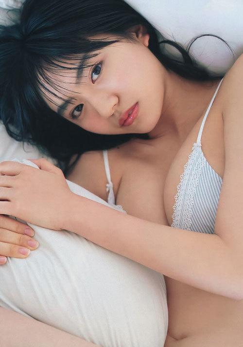 豊田ルナの現役女子高生の育ち過ぎなおっぱい27