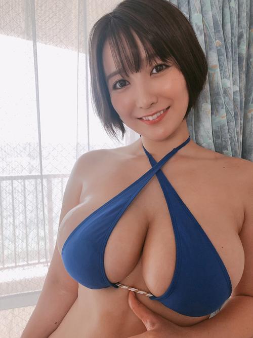 グラドル紺野栞のぷにぷにエロボディ!!!
