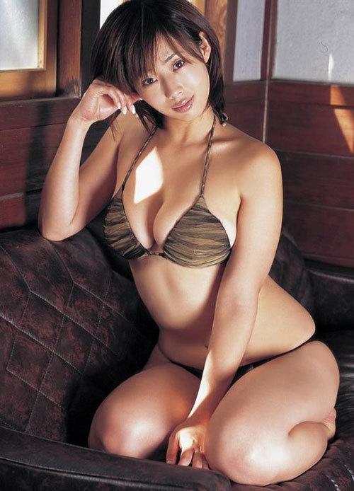 井上和香がグラビアデビューしたのってもう20年近く前なんだなあ