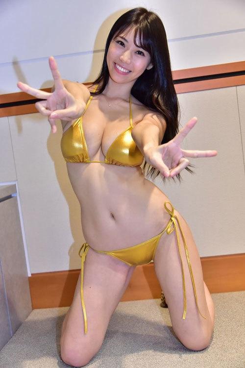 Hカップグラドル鈴木ふみ奈が彼女だったら毎日ギンギンだろうなあ