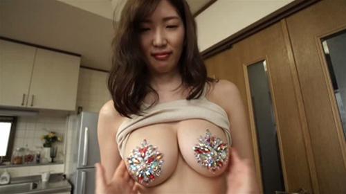 【セミヌード】巨乳グラドル・松嶋えいみ、新作でニプレスおっぱいを晒してしまうwwwwwww