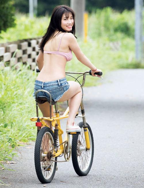 古田愛理ポップティーンモデルの巨乳おっぱい35