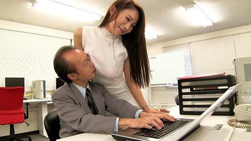 【凛音とうか】Iカップ爆乳にタイトスカートの女課長は福利性交課の性処理係!社員のチンコを抜きまくってハメまくるセックス管理職