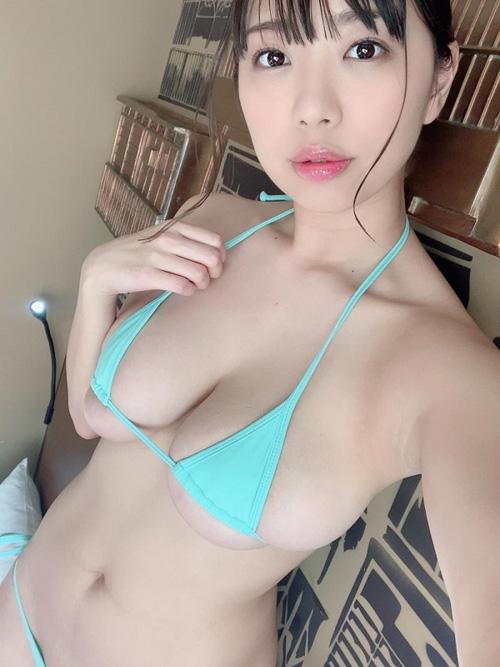 桐谷まつり 乳首ビンビンIカップ爆乳美女エロ画像