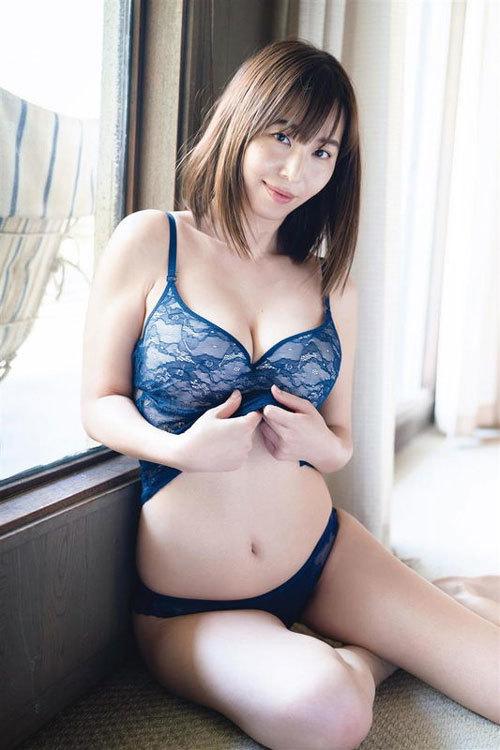 塩地美澄Gカップおっぱいを丸出しの女子アナ9