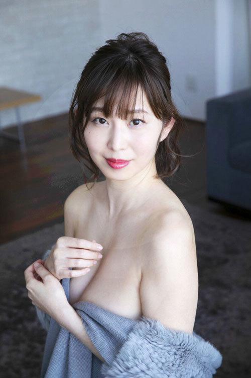 塩地美澄Gカップおっぱいを丸出しの女子アナ32