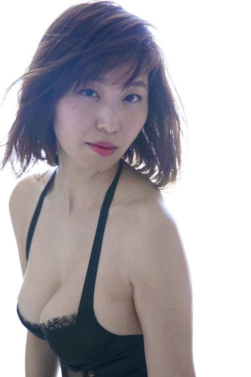 塩地美澄Gカップおっぱいを丸出しの女子アナ34
