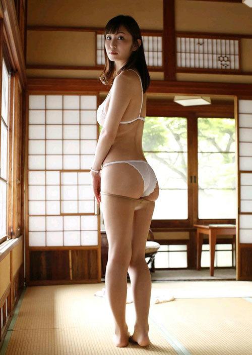 塩地美澄Gカップおっぱいを丸出しの女子アナ57