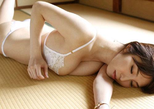 塩地美澄Gカップおっぱいを丸出しの女子アナ58
