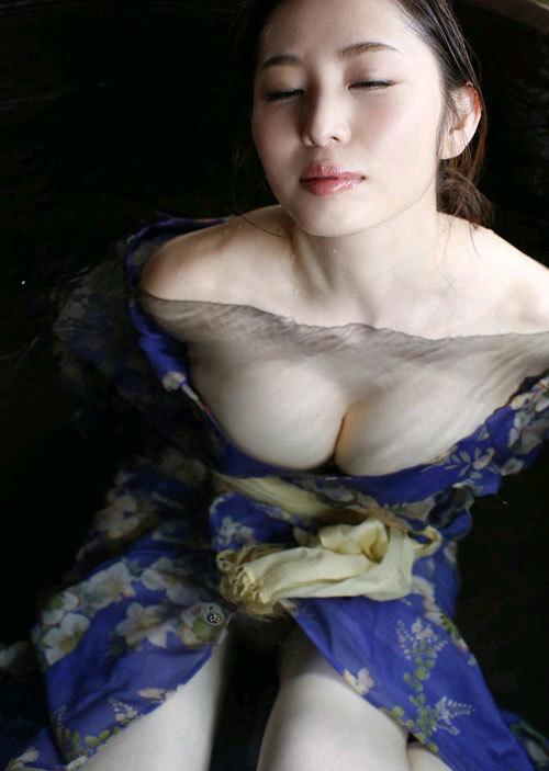 塩地美澄Gカップおっぱいを丸出しの女子アナ59