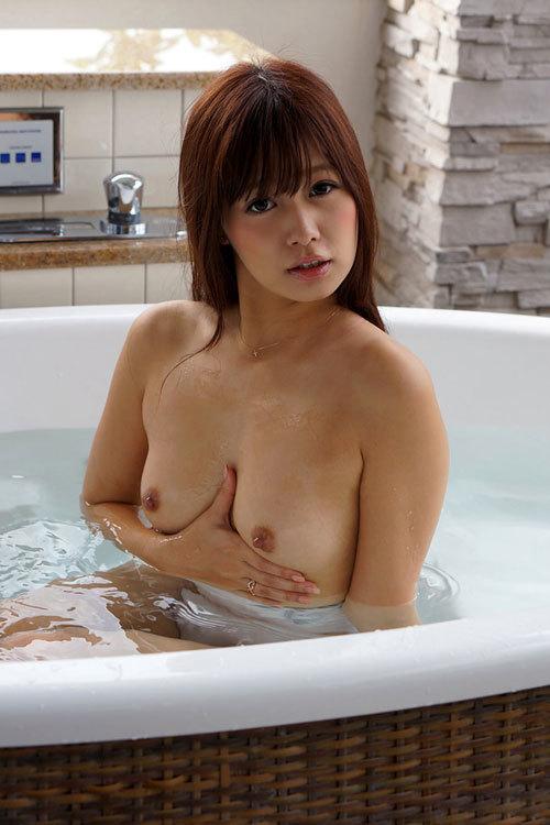 お風呂に浮かぶお姉さんのおっぱいで癒やして9