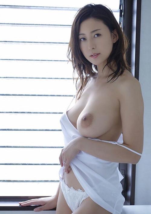 人気AV女優 松下紗栄子が最近音沙汰無くて引退を心配されている件