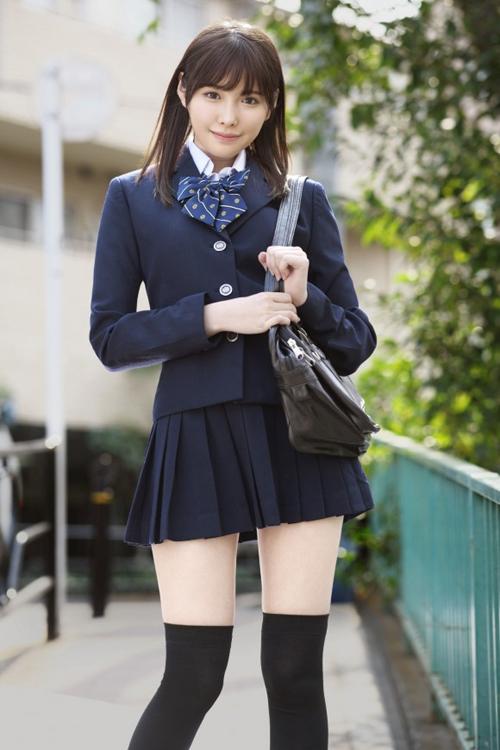 パンツ見えなくても抜ける女子校生の太腿画像 part23