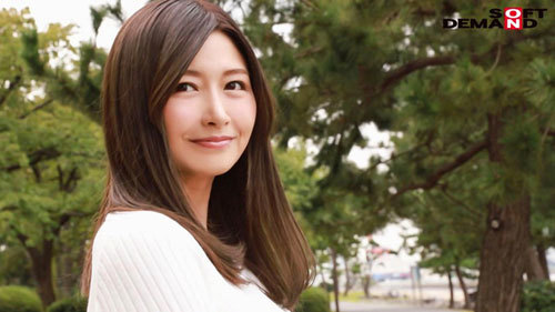 その顔、身体、ピュアな心。君のすべては美しい。 三浦歩美 36歳 AV DEBUT1
