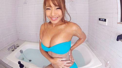 【VR】褐色肌のグラビアアイドル橋本梨菜と運動したりお風呂に入ったりする幸せな日常、そんな世界。6