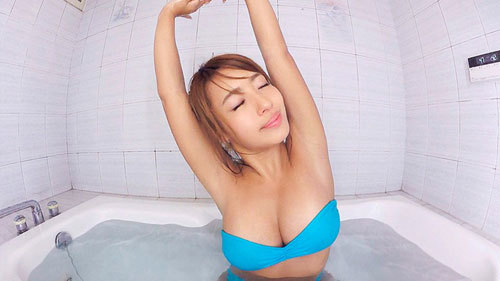 【VR】褐色肌のグラビアアイドル橋本梨菜と運動したりお風呂に入ったりする幸せな日常、そんな世界。8
