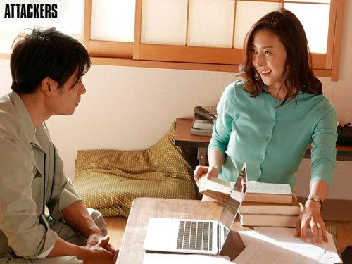 かつて文学少女だった国語教師が、いつしか情事に溺れて…。 松下紗栄子1