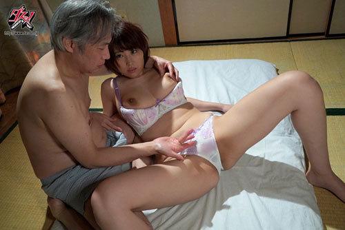 隣人に俺の彼女が寝取られて。「突然見せられた全裸のプライベート動画」 松本菜奈実6