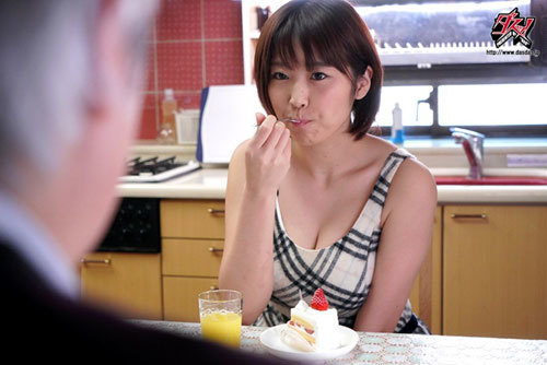 隣人に俺の彼女が寝取られて。「突然見せられた全裸のプライベート動画」 松本菜奈実9