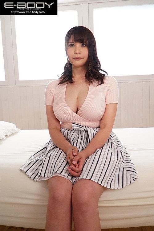 完璧な美形乳!秋田が生んだ究極の釣鐘型Hカップ!神乳若妻 美雲あい梨 AVデビュー 揉み、揺らし、着衣、透けetc 巨乳好きが絶対抜ける究極の乳フェチ映像!3