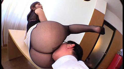 社員を誘惑する乳首ビンビンデカ尻上司はやっぱり淫乱なドスケベ痴女 水野朝陽15