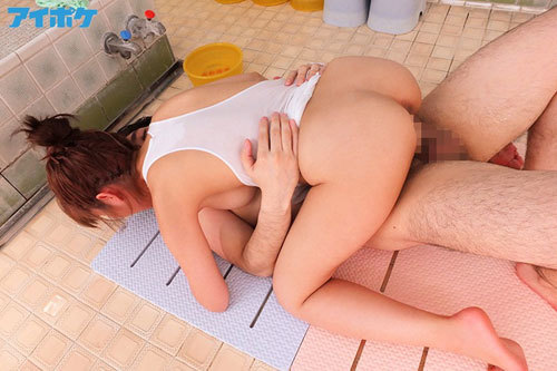 濡れ透け生乳チラリ ノーパン・ノーブラ銭湯の洗体看板娘のご奉仕エッチ 桃乃木かな8