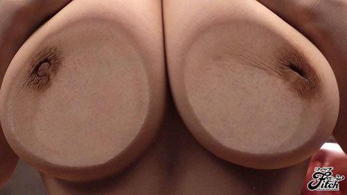 Gカップ爆乳のエロ水着から漏れ出るフェロモンと密着体位で精を吸い尽くす淫語痴女 神咲詩織1