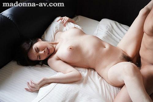 「ねぇ?あなた、本当に童貞なの?」~童貞詐欺にイカされ続けた人妻~ 山口珠理4