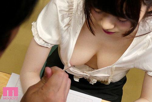 女教師の巨乳チラリズムに我慢できない! 水卜さくら7