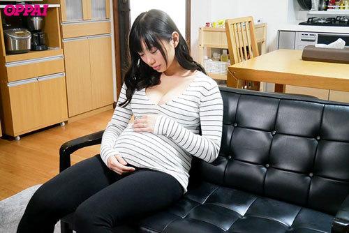 昼下がりの巨乳団地妻を旦那の留守中に寝取って孕ませてやった 桐谷まつり10
