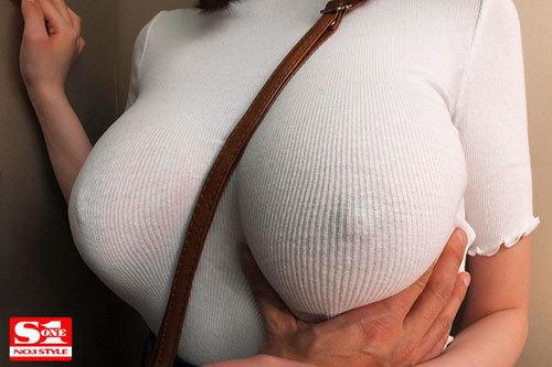 常にノーブラ透けおっぱいで誘惑する【完全着衣】Jカップお姉さん 筧ジュン2