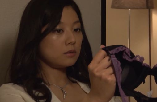 【小池栄子】緊張しながらも相手を受け入れ絡みつく濡れ場