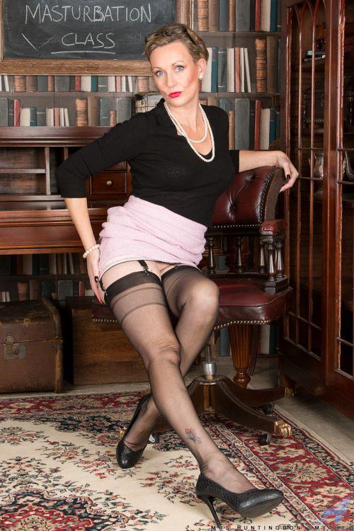 Mrs Huntingdon Smythe - MASTURBATION CLASS 05